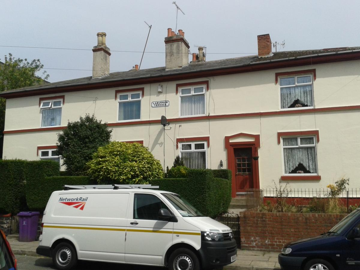 Gallery mg decorating house painter in liverpool painting decorating painter decorator for Exterior house painting liverpool